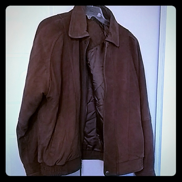 Roundtree & Yorke Other - Roundtree Yorke leather jacket & a gift